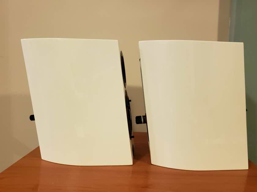 Audio Physic Step 25 Speakers. High Gloss White. Reduced.
