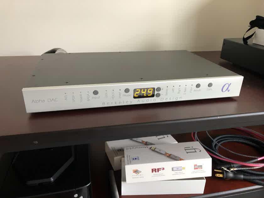 Berkeley Audio Design Alpha DAC V2