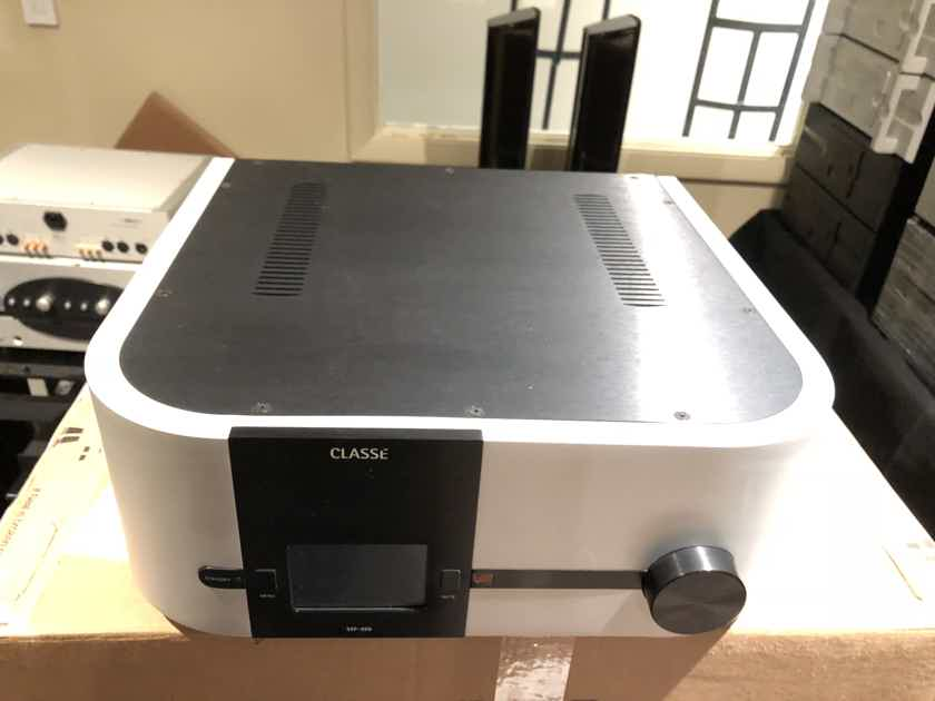 Classe SSP800 surround sound processor