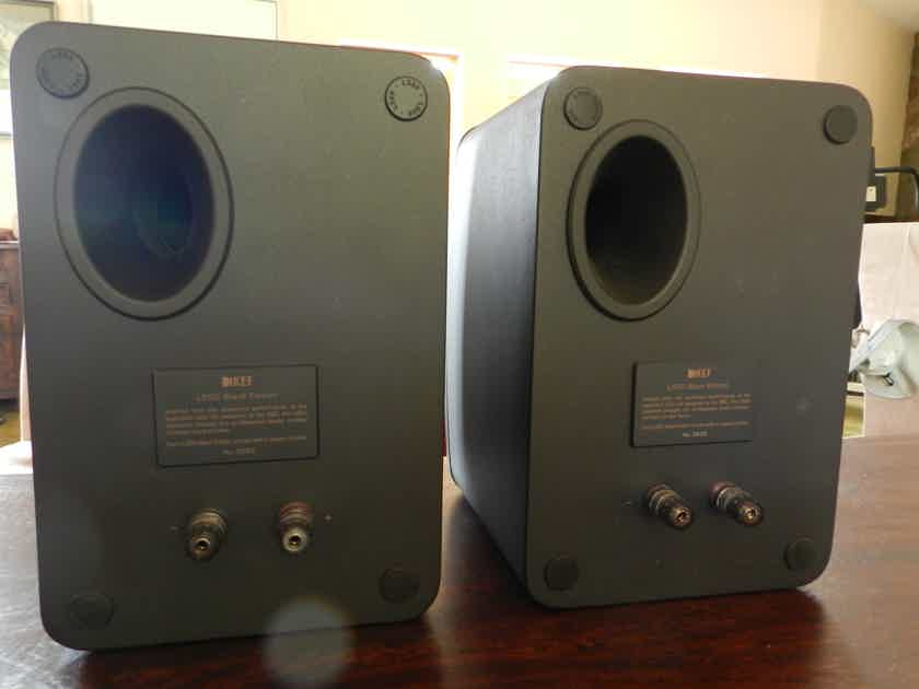KEF LS50 Special All Black Edition