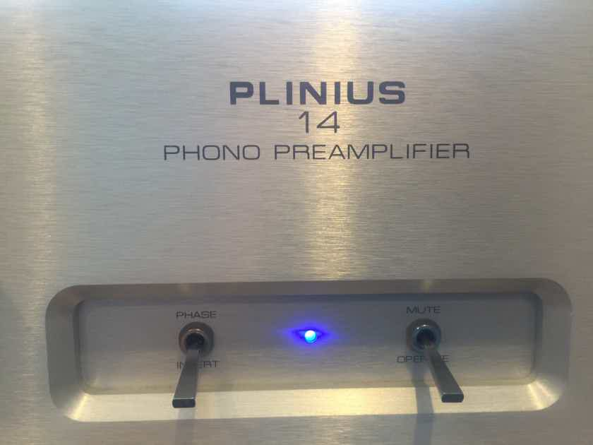 Plinius Model 14 Phono preamp  MM/MC  a classic phono stage from 20 years ago  M14