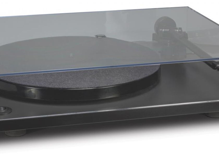 NAD C 556 Turntable with Audio Technica AT91BL Cartridge