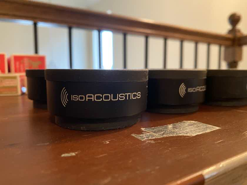 (8) IsoAcoustics ISO-PUCK