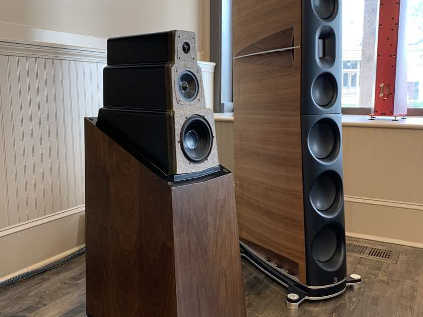 Vandersteen 5A Carbon - Beautiful Customer Trade-In Loudspeakers - Gorgeous Walnut Finish w/ Black Grills - 12 Months Interest Free Financing Available!!!