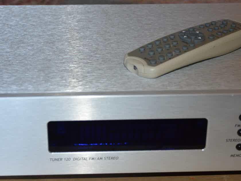 Opera Consonance Tuner 120 AM-FM Tuner