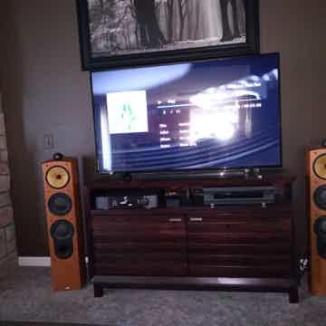 B&W Oppo SimAudio Moon 804 Nautilus BDP-105 240i