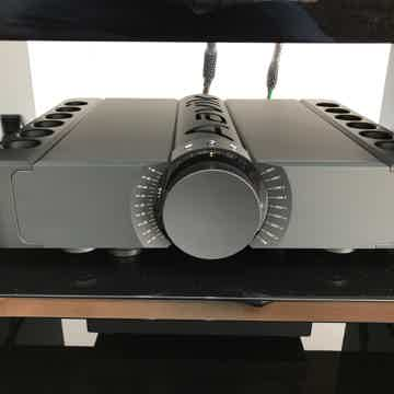 Aavik Acoustics C-300 Pre / M-300 mono block amplifiers