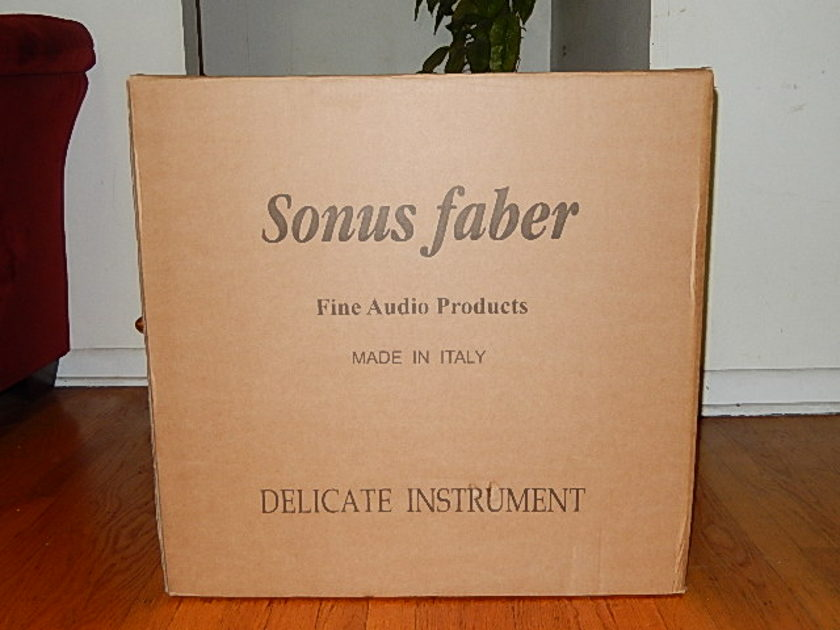 Sonus Faber Guarneri Evolution Monitor Speakers with Dedicated Stands (Brand new)