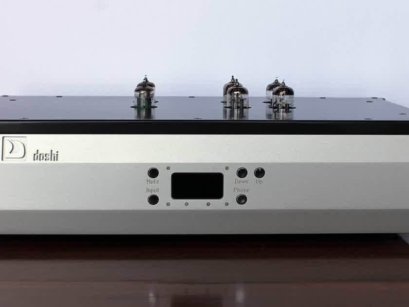 Doshi Audio V3.0 Phono Stage in Silver Finish, Store Demo