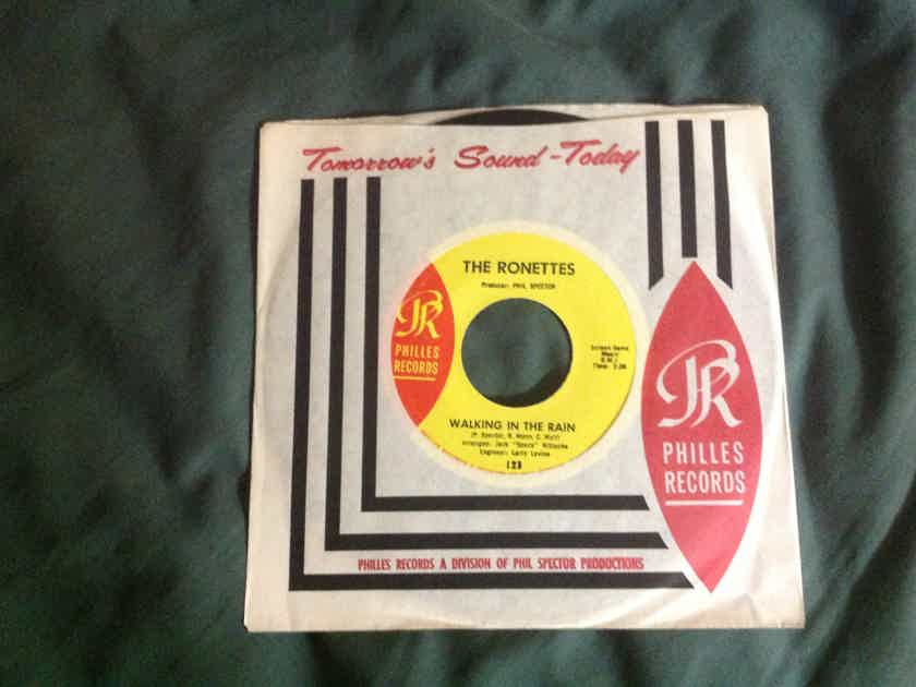 The Ronettes - Walking In The Rain Phillies Label 45 NM