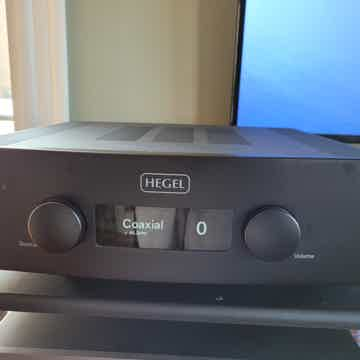 Hegel H390 Mint Incredible Integrated Amplifier.  Airpl...
