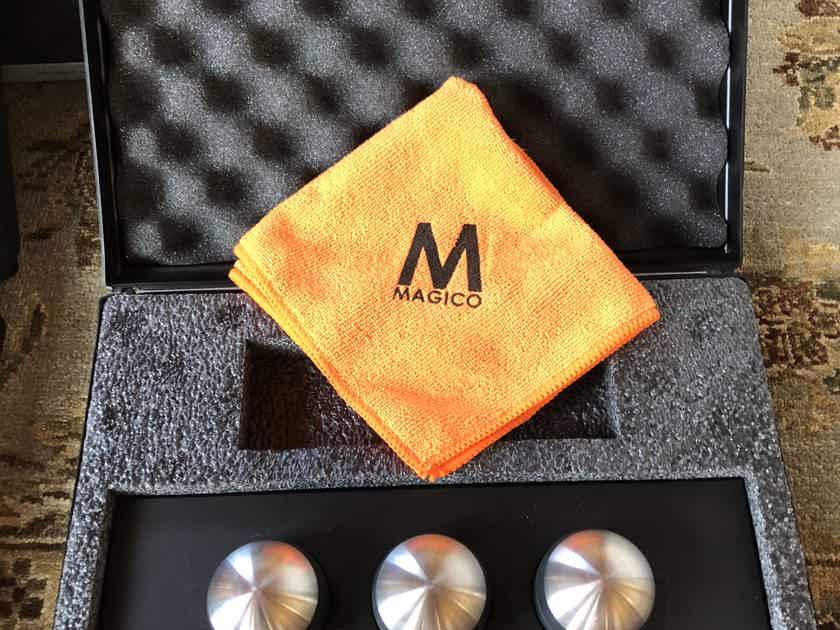 Magico QPODS One Set of 3 with original case