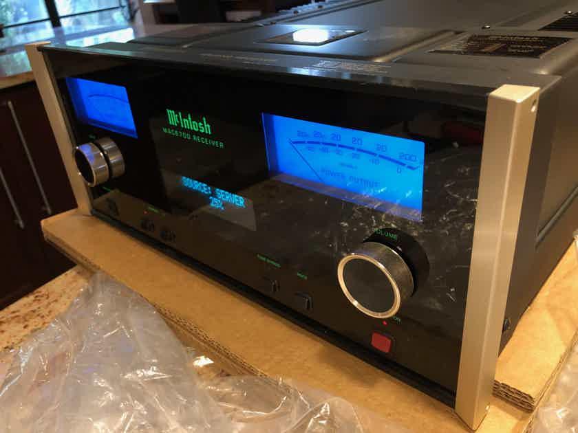 McIntosh MAC-6700 Integrated Amplifier. Ultra Performance DAC. 200 W/P/C Crystal Clear