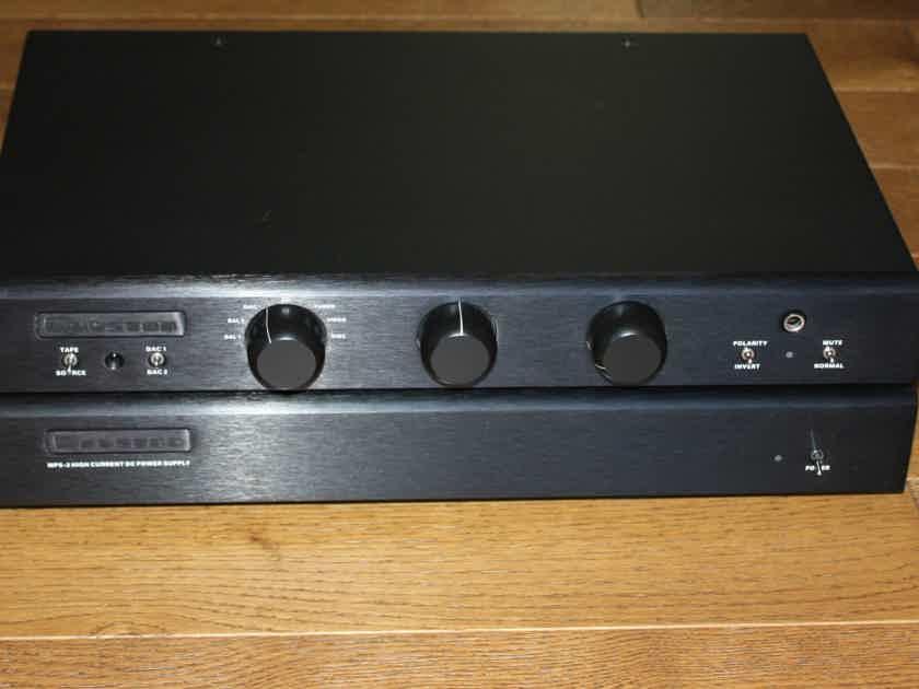 Bryston BP26DA & MPS2 *close to mint//ON BOARD DAC//remote//Warranty//FREE SHIPPING*