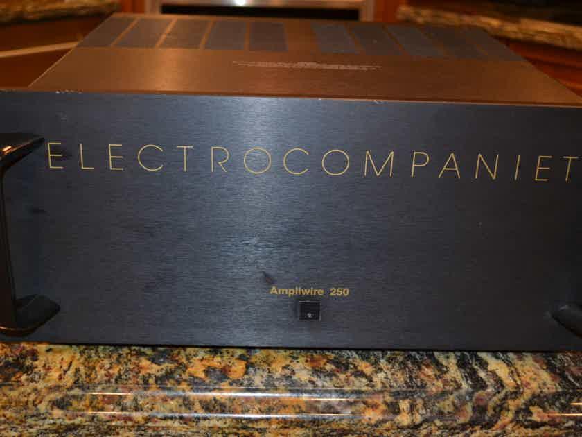 Electrocompaniet AW-250 Amplifier