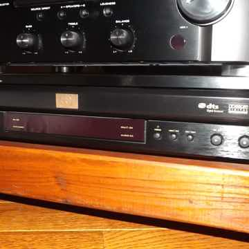 VC6001 5 DISC SUPER AUDIO CD/DVD CHANGER