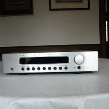 B & K Components  Reference 5 S2 Preamp/Tuner Silver