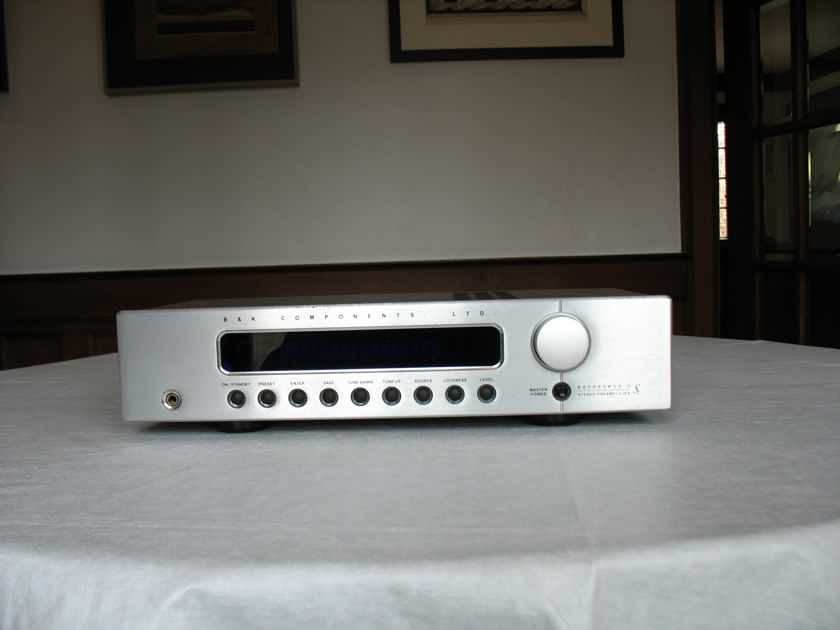 Sale Pending---B & K Components  Reference 5 S2 Preamp/Tuner Silver