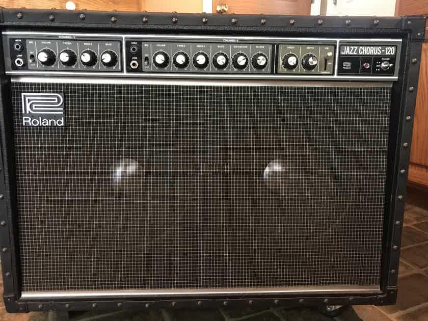 Roland Jazz Chorus 120 amplifier