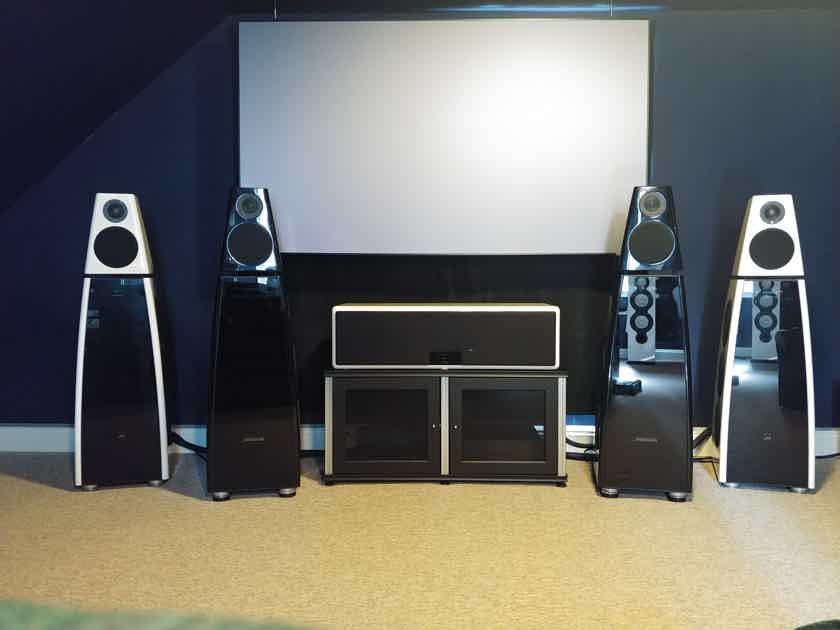 Meridian DSP8000 speaker pair piano black