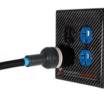Synergistic Research Carbon Fiber Duplex Cover