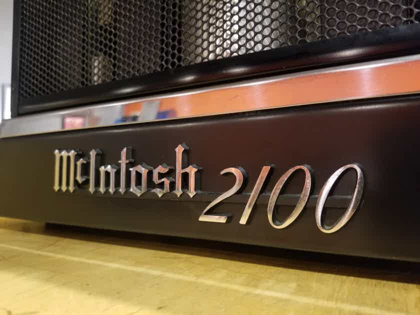 McIntosh 2100 Solid State Amplifier - 105WPC (Stereo) - 210WPC (Mono) Great Condition!