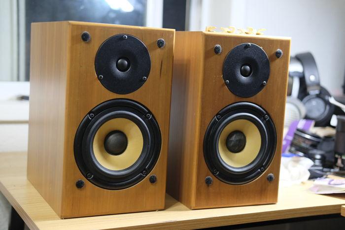 Angstrom Loudspeakers