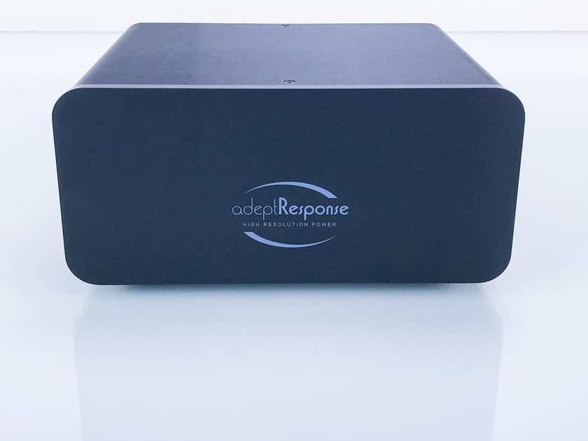 Audience Adept Response aR6T Power Conditioner; 15A w/ Au24 Power Chord (18272)