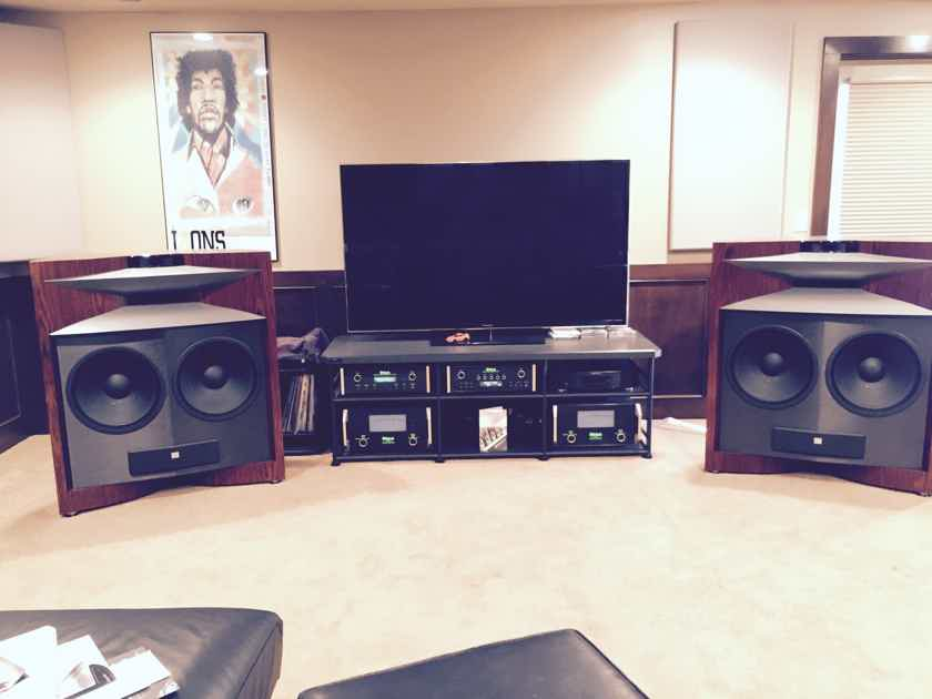 JBL Everest DD-67000 Speakers