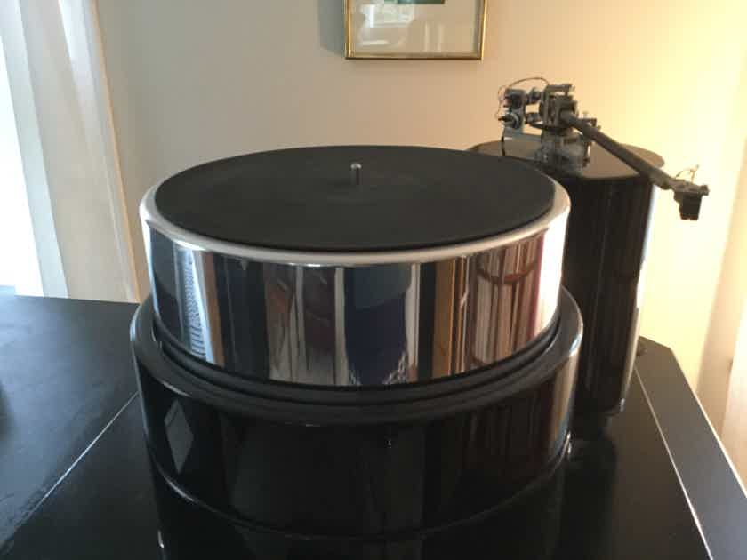 DaVinciAudio Labs Gabriel State of the Art Turntable Price Reduced.