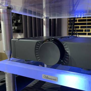 Aavik Acoustics C-300