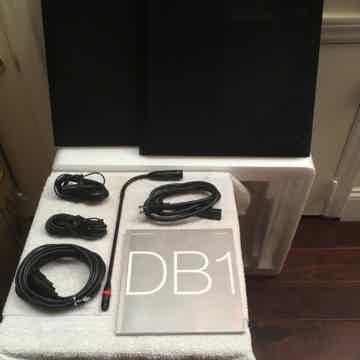 B & W DB-1
