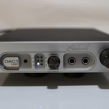 Benchmark DAC-1 HDR