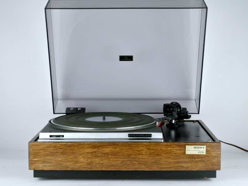 Sony PS-2251 Turntable with Sumiko MMT Tonearm