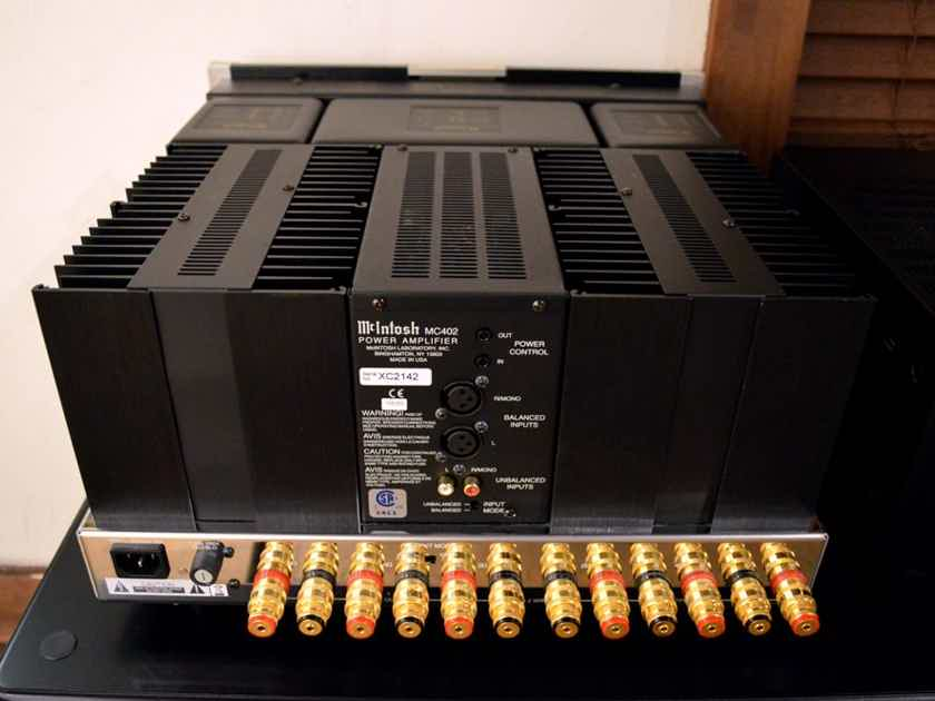 McIntosh MC402 - Solid State Power Amplifier