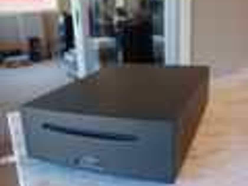Naim Audio Uniti Serve SSD - CD Ripper NAS player