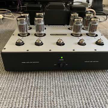 AUDIO RESEARCH  VS110 AMPLIFIER