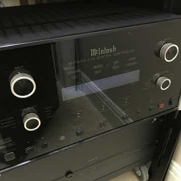 McIntosh  MHT 200 A/V System Controller