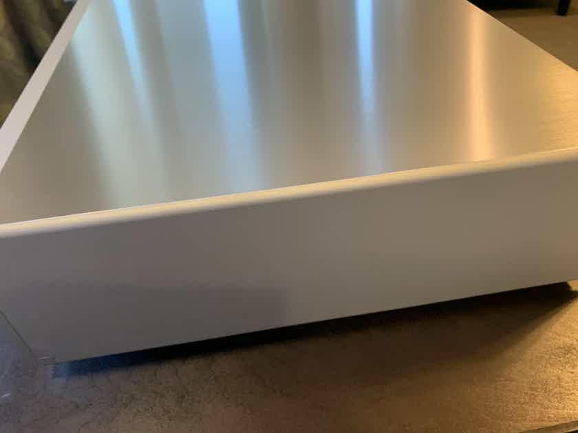 Luxman C700U Ultimate Control Pre Amplifier $4250 Reduced.