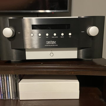 Mark Levinson  585  Integrated Amp 585