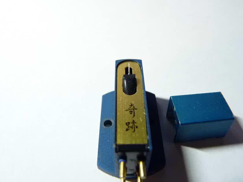 Kiseki Blue SilverSpot sapphire cantilever LOMC cartridge