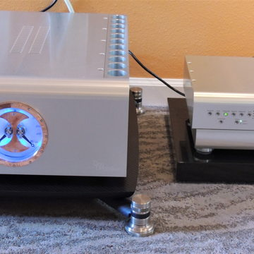 Bassocontinuo Audio Systems Aeon 2 Carbon Amp Stand