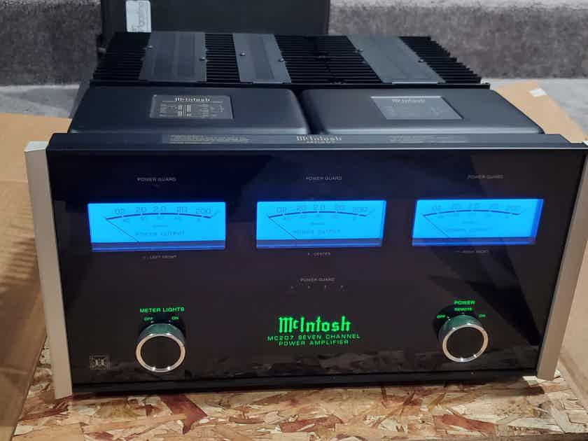 Mcintosh MC207 SEVEN CHANNEL POWER AMPLIFIER *******