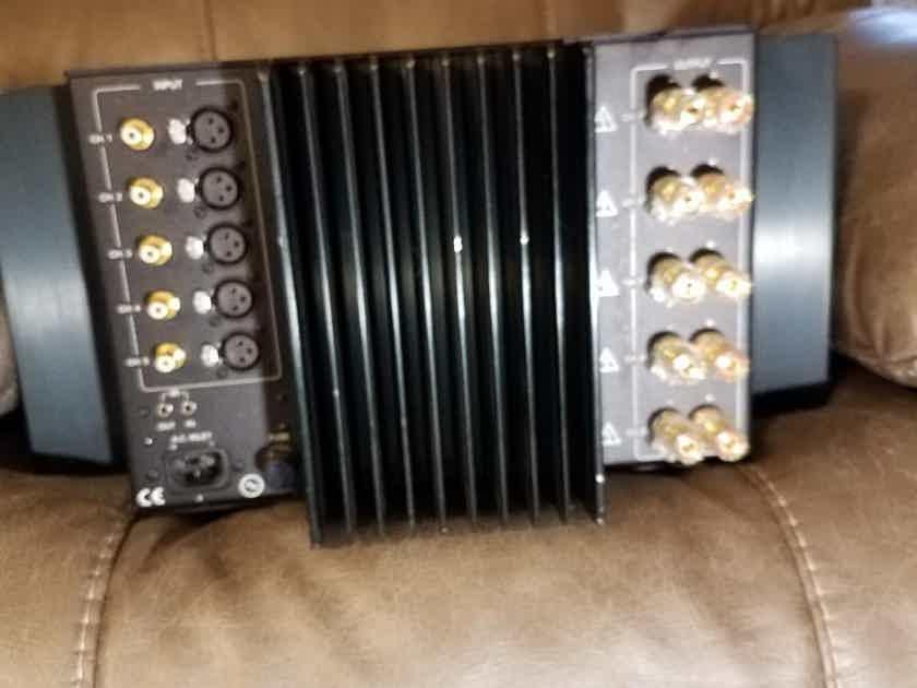 Classe CAV-180 5 channel amplifier
