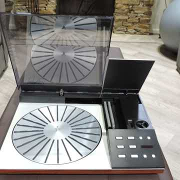 Bang & Olufsen Beogram 8000