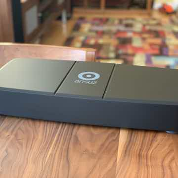 Ansuz Acoustics A2 Distribution Block and A2 power cabl...