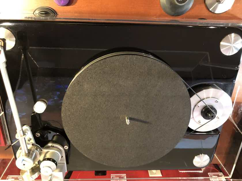 VPI Industries AIRES 1 turntable