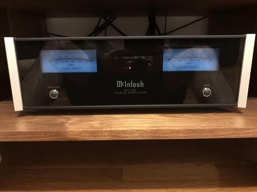 McIntosh MC152 Stereo Power Amplifier
