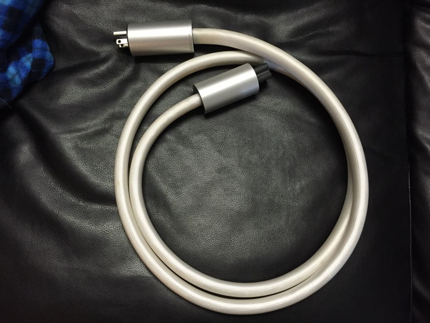 Argento audio Flow power cord 2 meter 20 amp (C19 ) excellent condition