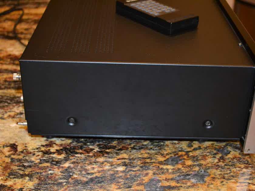 McIntosh  C31V Audio Video Control Center